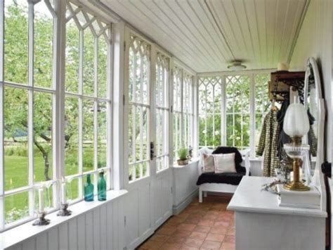Sun Room Windows Ideas 26 Smart And Creative Small Sunroom D 233 Cor Ideas Digsdigs