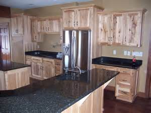 Hickory Wood Cabinets Kitchens Best 25 Rustic Hickory Cabinets Ideas On Pinterest