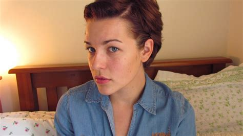 how to style your hair while a pixie grows out hair update growing out a pixie cut youtube