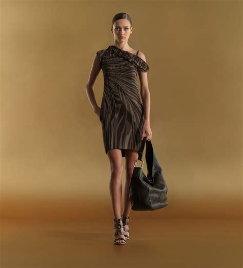 gucci clothes pin gucci fashion 017 1024x768 wallpaperjpg 1920 x 1200 on