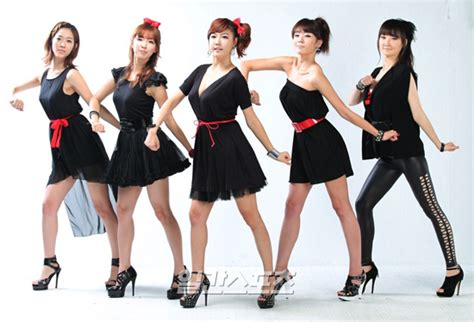 swing girls swing girls releases debut music video quot run x3 quot allkpop com