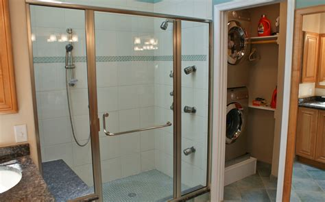bathroom floor plans with walk in closets delightful walk in closet and bathroom combination roselawnlutheran