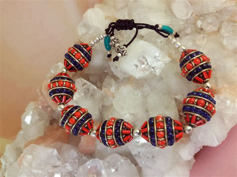 Ethnic Tibetan bracelet made in Coral and Lapis lazuli   45 eur.   Jewellery Ethnic bracelets