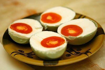 cara membuat telur asin menggunakan batu bata cara membuat telur asin mudah dan enak