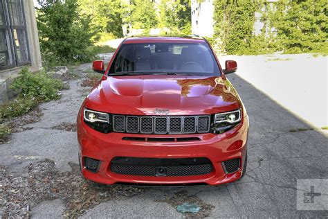 srt jeep 2018 jeep grand cherokee srt trackhawk first drive review