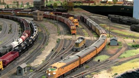 ho layout video ho layout freight leaves yard youtube