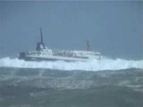 hurricane boats sydney ferry in bad weather youtube