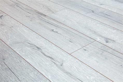 Series Woods Professional 12mm Laminate Flooring Oak White