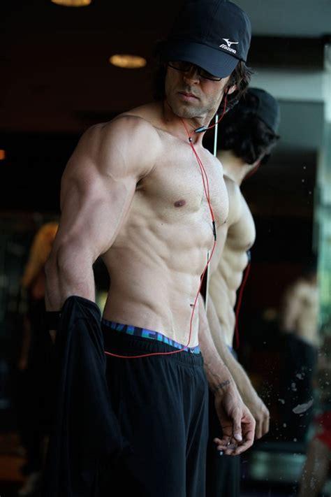 hrithik roshan fitness hrithik roshan workout kris gethin transforms bollywood