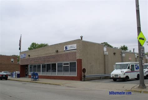 Midlothian Post Office by Looking West At The Midlothian Post Office May 2008