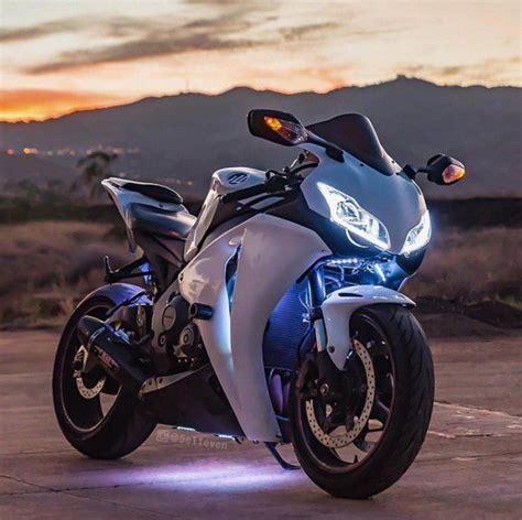 honda cbr street bike honda cbr 1000rr fireblade motorcycles pinterest