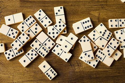 Domino A by 42 Dominoes