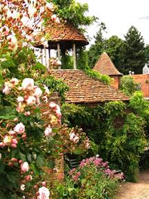 house cottage gardens