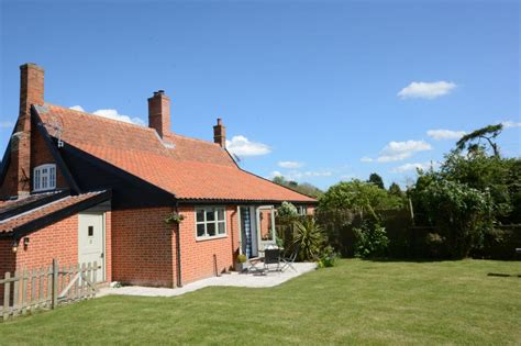 pet friendly cottage in suffolk 2 grange