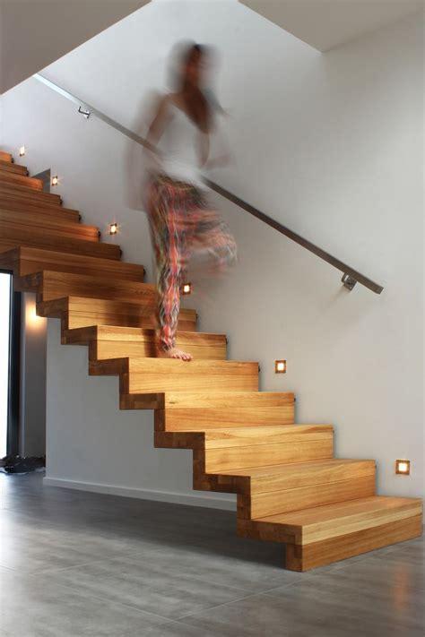 treppe handlauf holz die 25 besten ideen zu treppe auf au 223 entreppe
