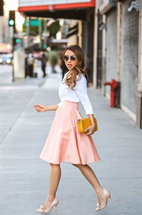 midi skirts are in style for real 2018 fashiongum