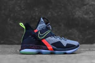 Lebrons Basketball Shoes Nike Lebron Xiv Xmas Quot Out Of Nowhere Quot Releases In Us Eu