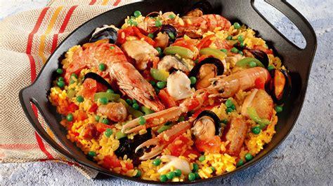cucinare la paella di pesce paella valenciana ecco la ricetta pi 249 buona ricetta ed