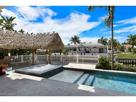 tiki hut naples fl 65 best royal harbor naples florida images on pinterest