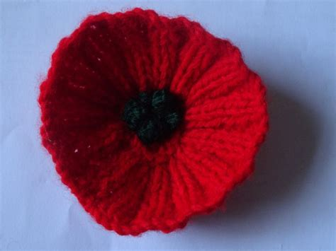 knitting pattern red poppy 47 best anzac day poppies images on pinterest poppies