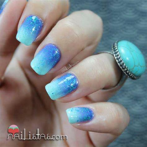 imagenes de uñas acrilicas color turquesa u 241 as decoradas con degradado turquesa y purpurina reto