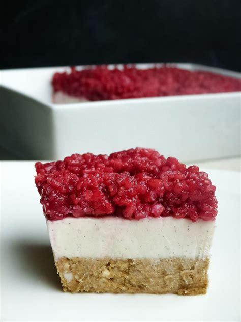 schneller kuchen mit gefrorenen himbeeren roh veganer k 228 sekuchen