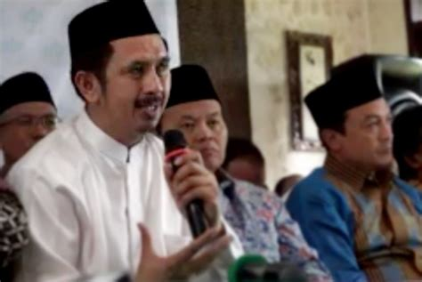 Keutuhan Islam Yang Terkoyak islam indonesia page 188 jakarta islamic centre