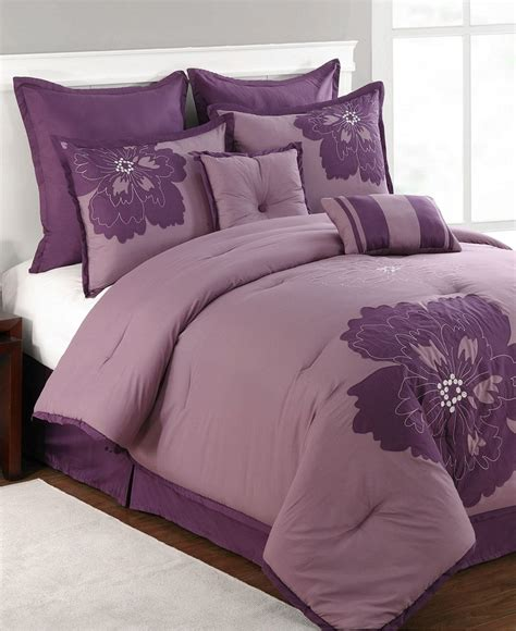 purple coverlet queen 25 best ideas about purple comforter on pinterest