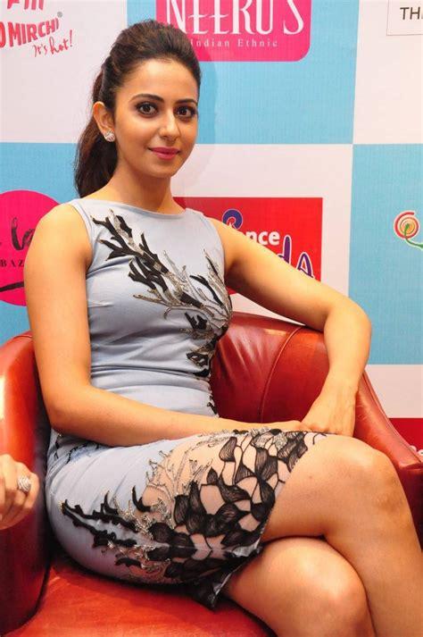 south actress thigh pics thigh show photos of rakul preet singh in blue dress