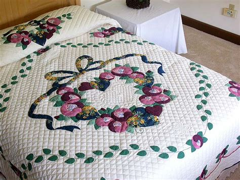 amish country quilts images