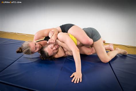 Womens Sleeper Hold by Alphacatz Competitive 001
