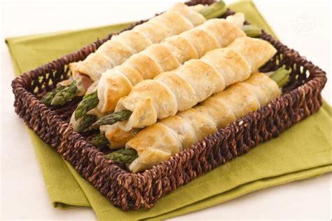 come posso cucinare gli asparagi i commenti della ricetta asparagi in sfoglia con crudo