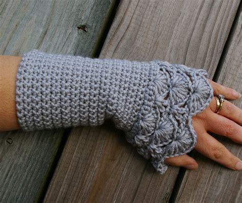 crochet gloves 38 colorful fingerless gloves crochet patterns patterns hub