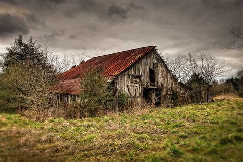 rustic barns old rustic barn photograph by brett engle