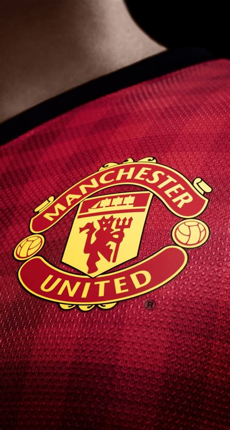 manchester united wallpaper for mac download manchester united logo shirt hd wallpaper for