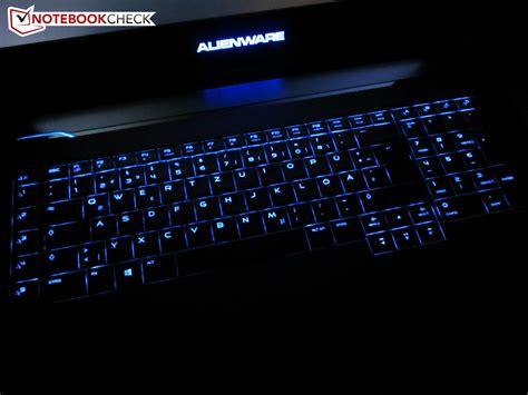 notebook tastiera illuminata recensione completa portatile alienware 18
