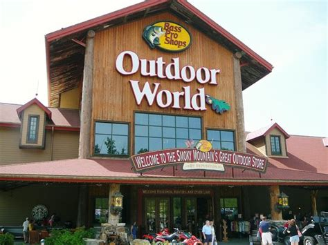 bass pro shop hours bass pro shops outdoor world sevierville tn hours
