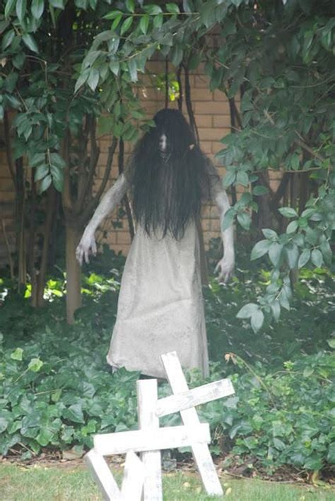 scary halloween yard displays complete list of halloween decorations ideas in your home