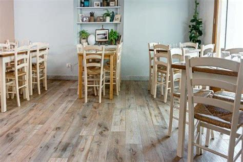 cristiani pavimenti legno pavimento effetto legno in promozione le piastrelle in