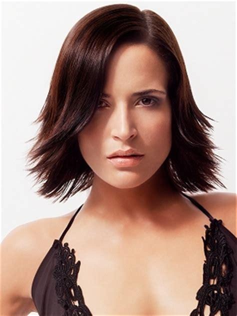 razor cut flip hair style razor cut layered hair styles