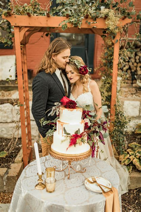 check out these boho inspired burgundy ivory green wedding ideas