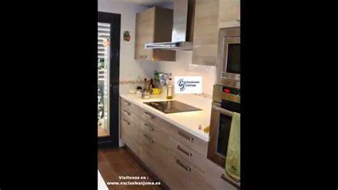 muebles de cocina en color madera roble imperial