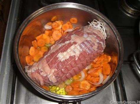 cucinare il roast beef in pentola roast beef in crosta la ricetta di gnam gnam