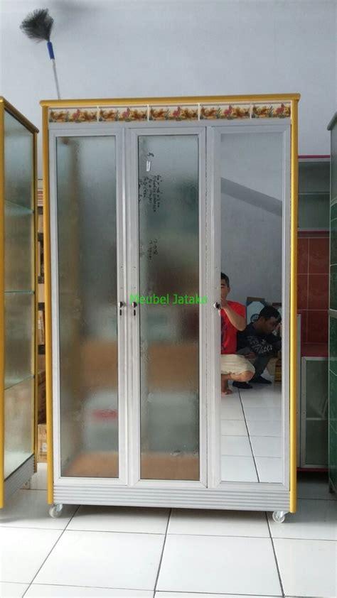 Lemari Pakaian Aluminium 3 Pintu jual lemari pakaian 3 pintu kaca transparan cermin