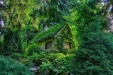 10 fairy tale like cottages you have to see