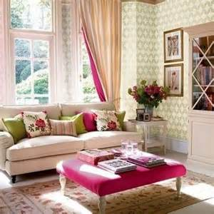 neutral living room with color pops for the home