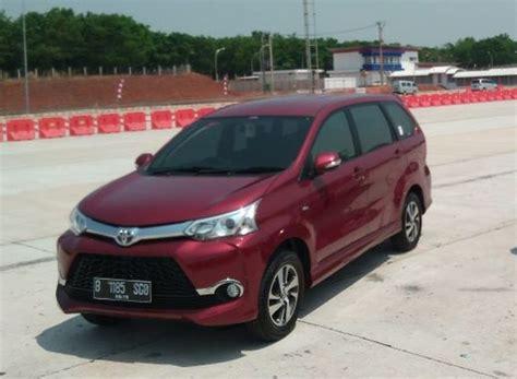 Bola Lu Mobil Avanza Desain Eksterior Interior Toyota Avanza 1 3 Transmover