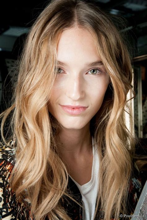 two inch hair styles how to choose the right curling iron size