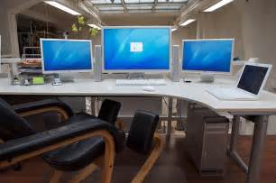 Best Home Office Setup by 50 Greatest Computer Workstation Pc Mac Setups Hongkiat