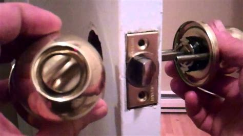 How To Install Door Knob On New Door by Removing An Door Knob And Installing A New One